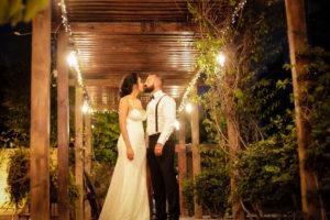 beso de los novios, boda en mexicali, fotografia para sus eventos